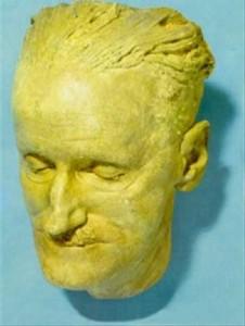 Joyce's death mask